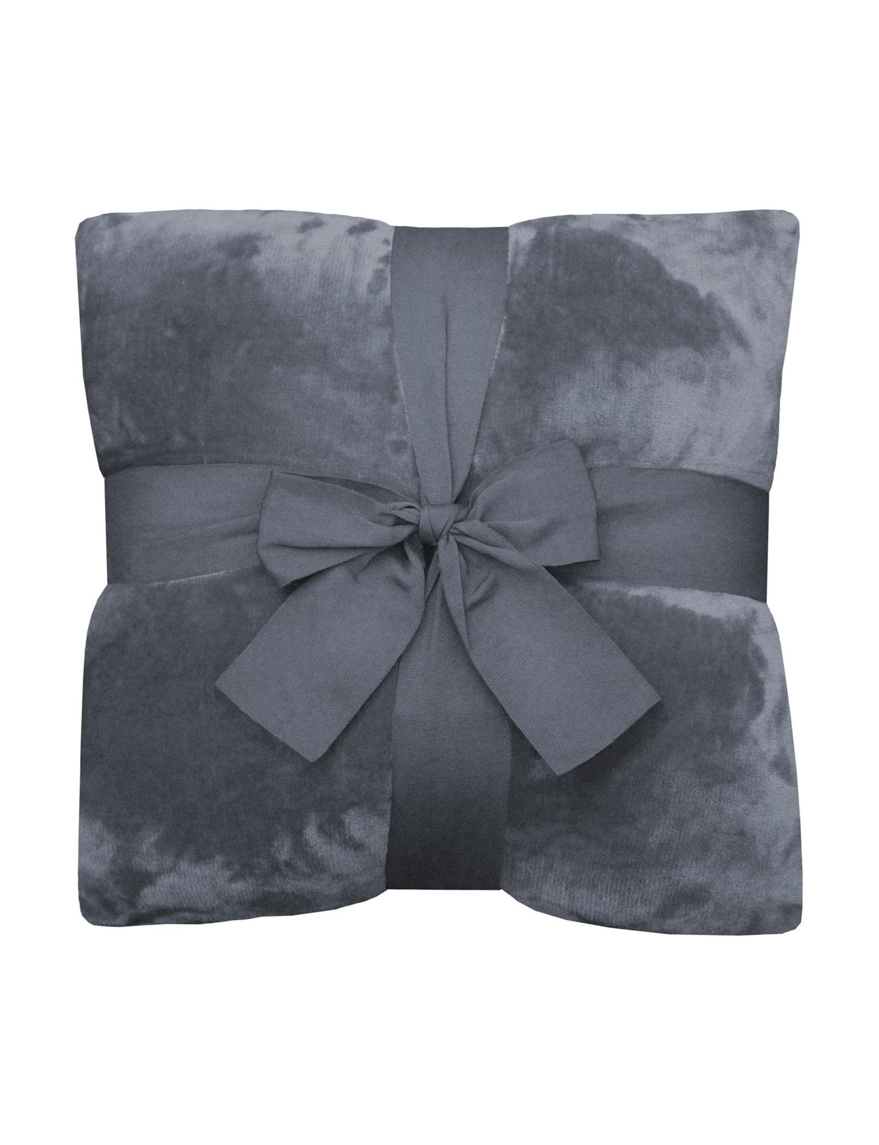 Newport Blue Navy Decorative Pillows