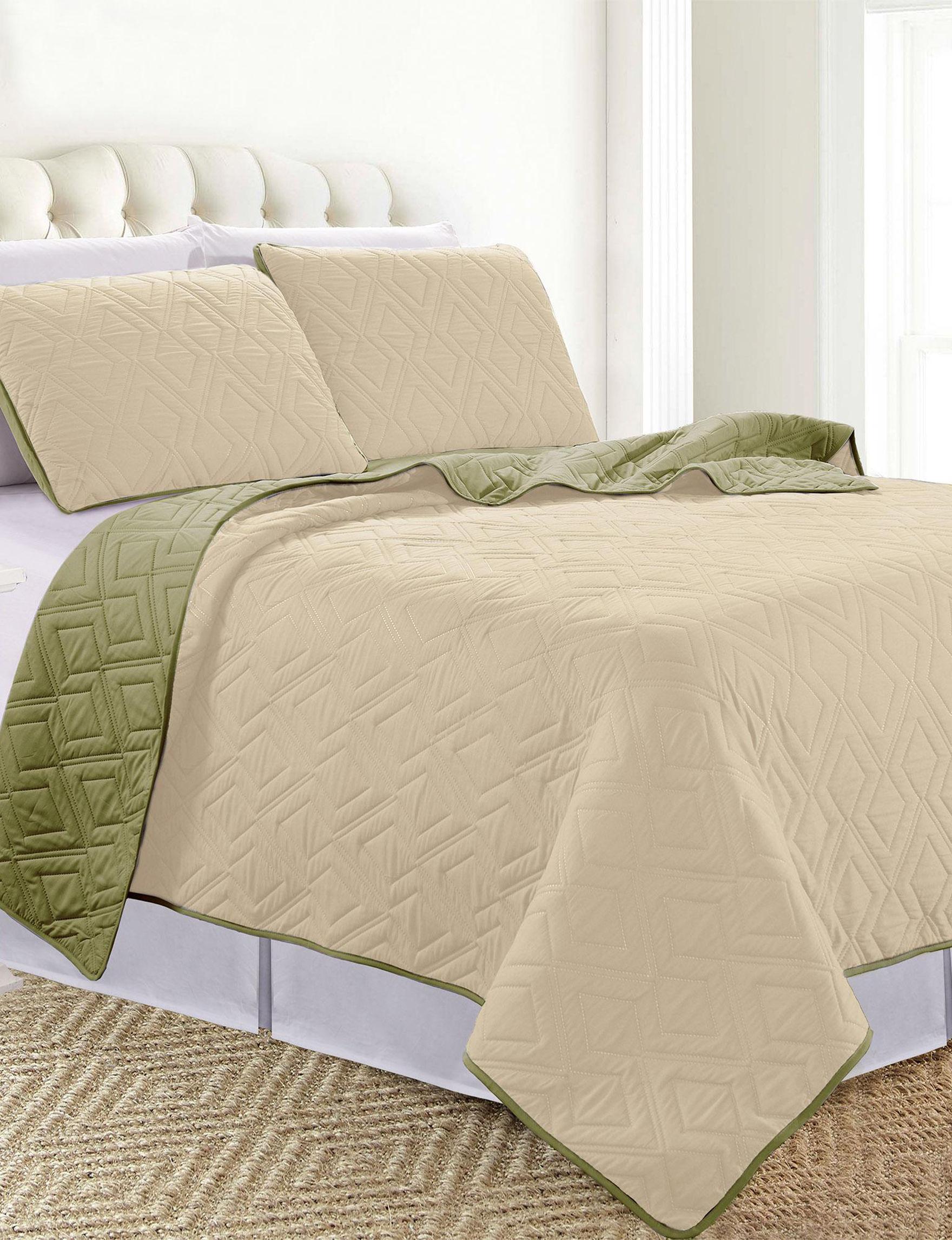 Sanctuary Sand / Olive Quilts & Quilt Sets