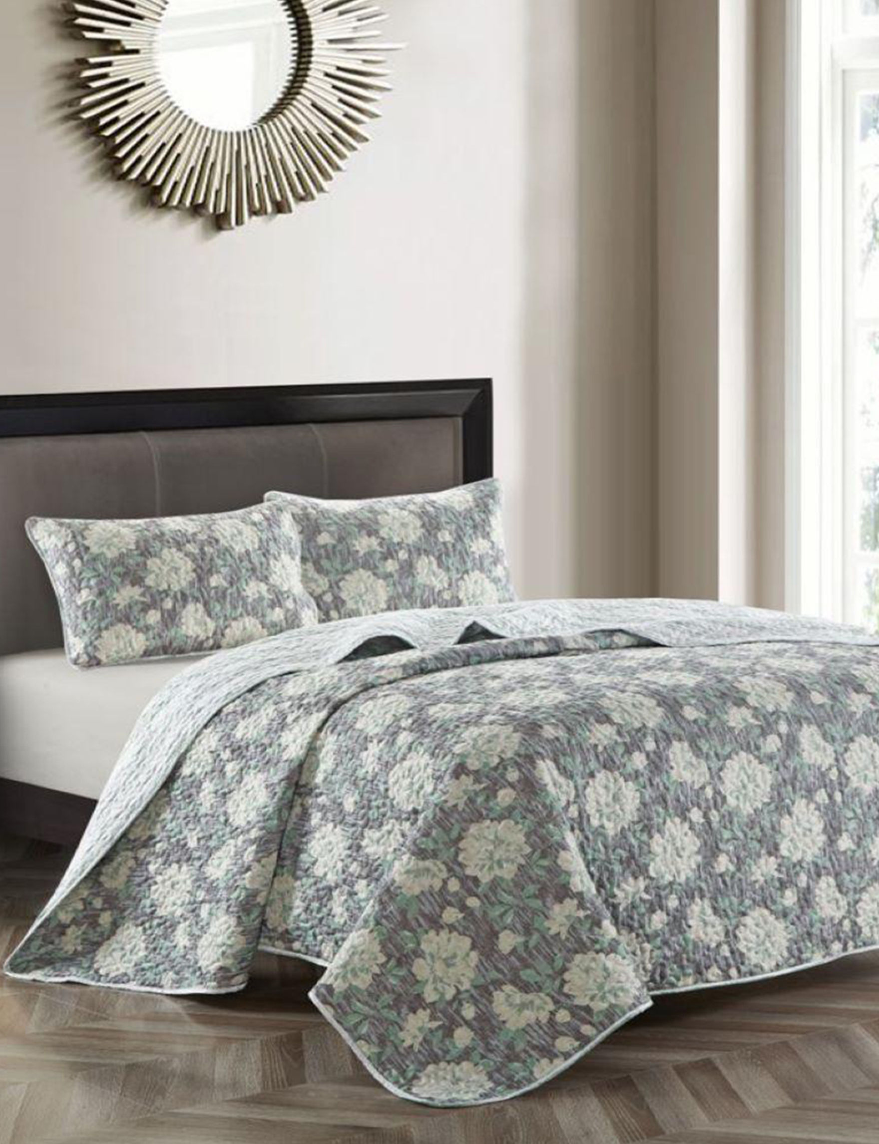 Parklane Grey Floral Quilts & Quilt Sets