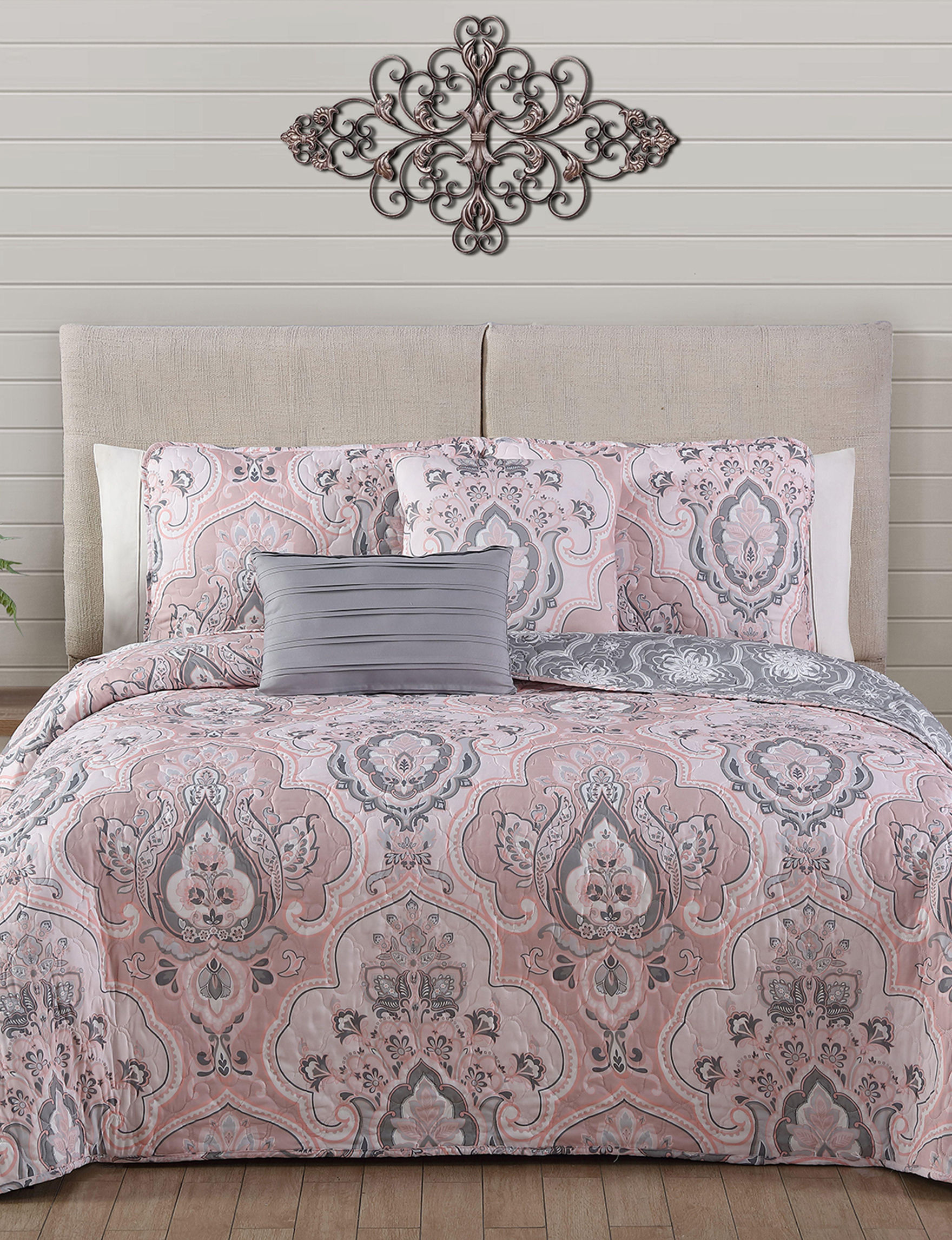Avondale Manor Pink / Grey Quilts & Quilt Sets