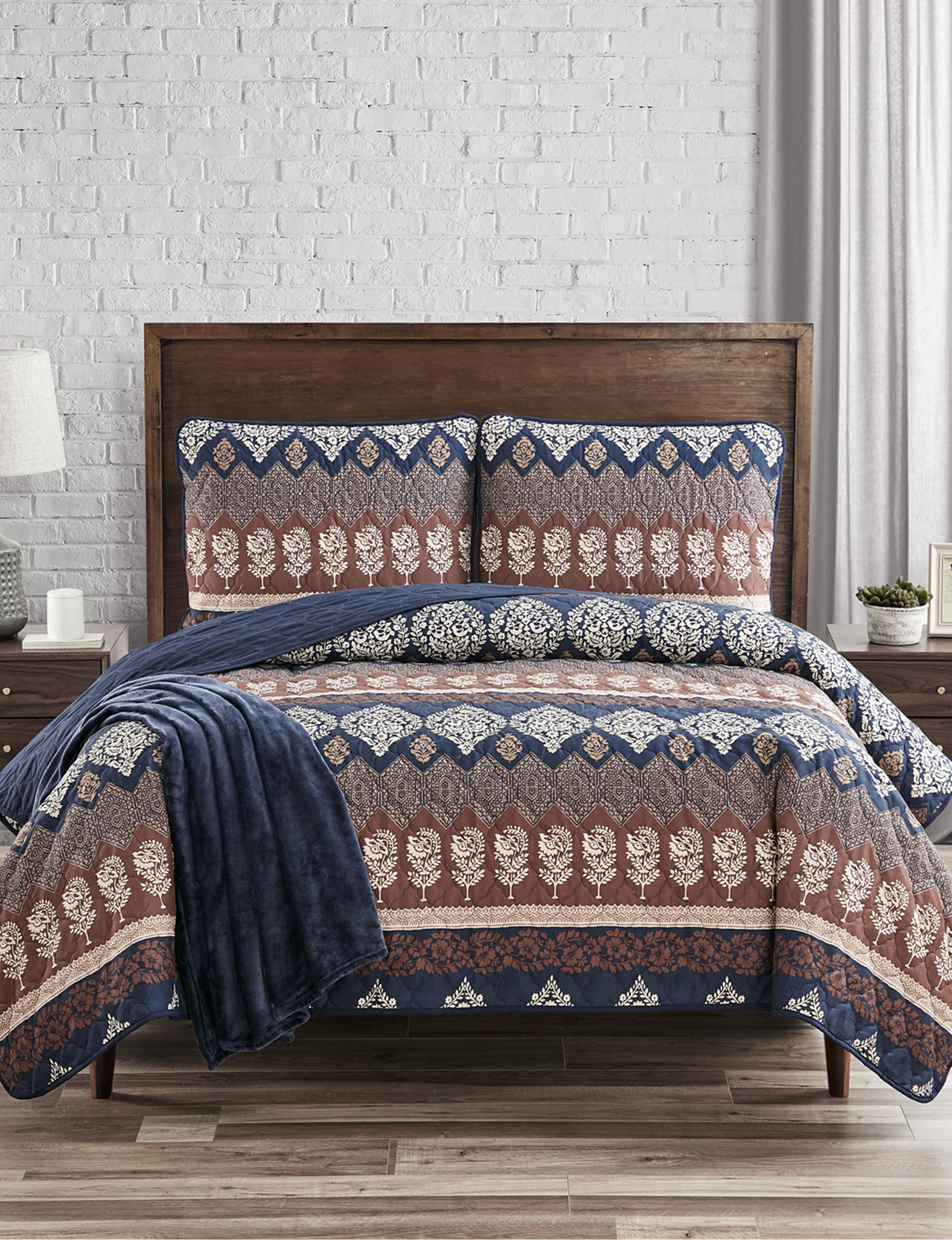 Jessica Sanders Navy / Multi Quilts & Quilt Sets