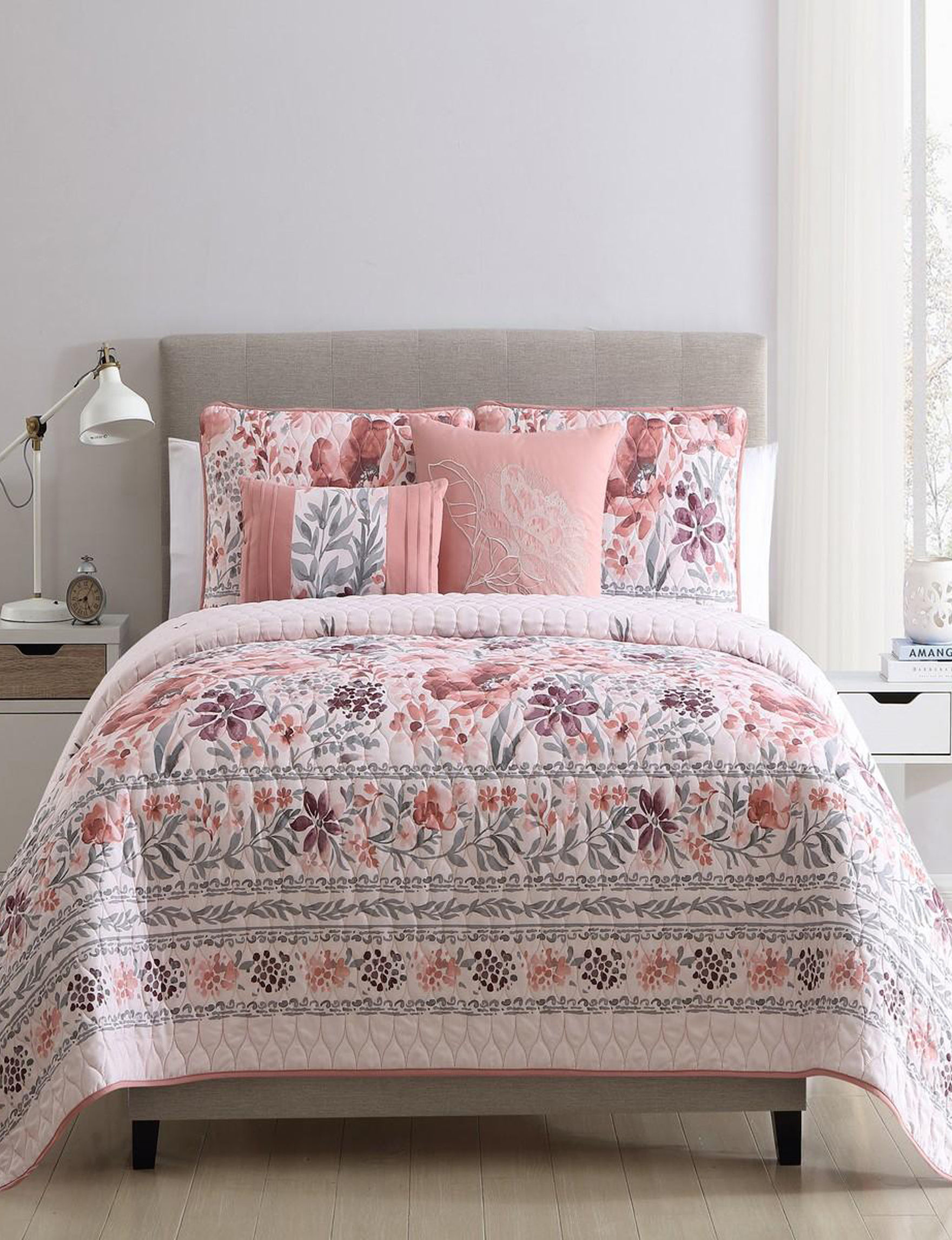 VCNY Home Blush Floral Quilts & Quilt Sets
