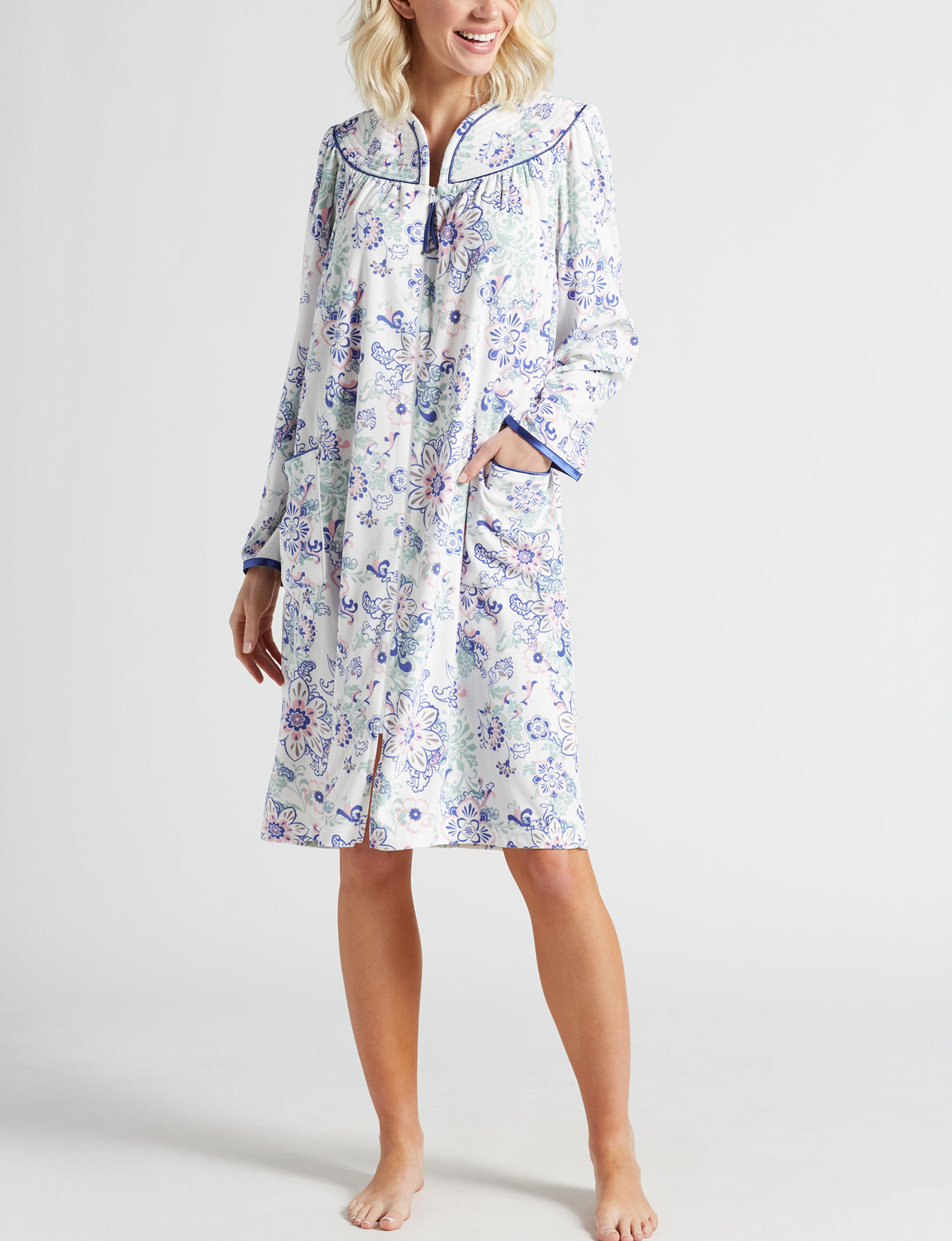 Lissome Ivory Floral Robes, Wraps & Dusters