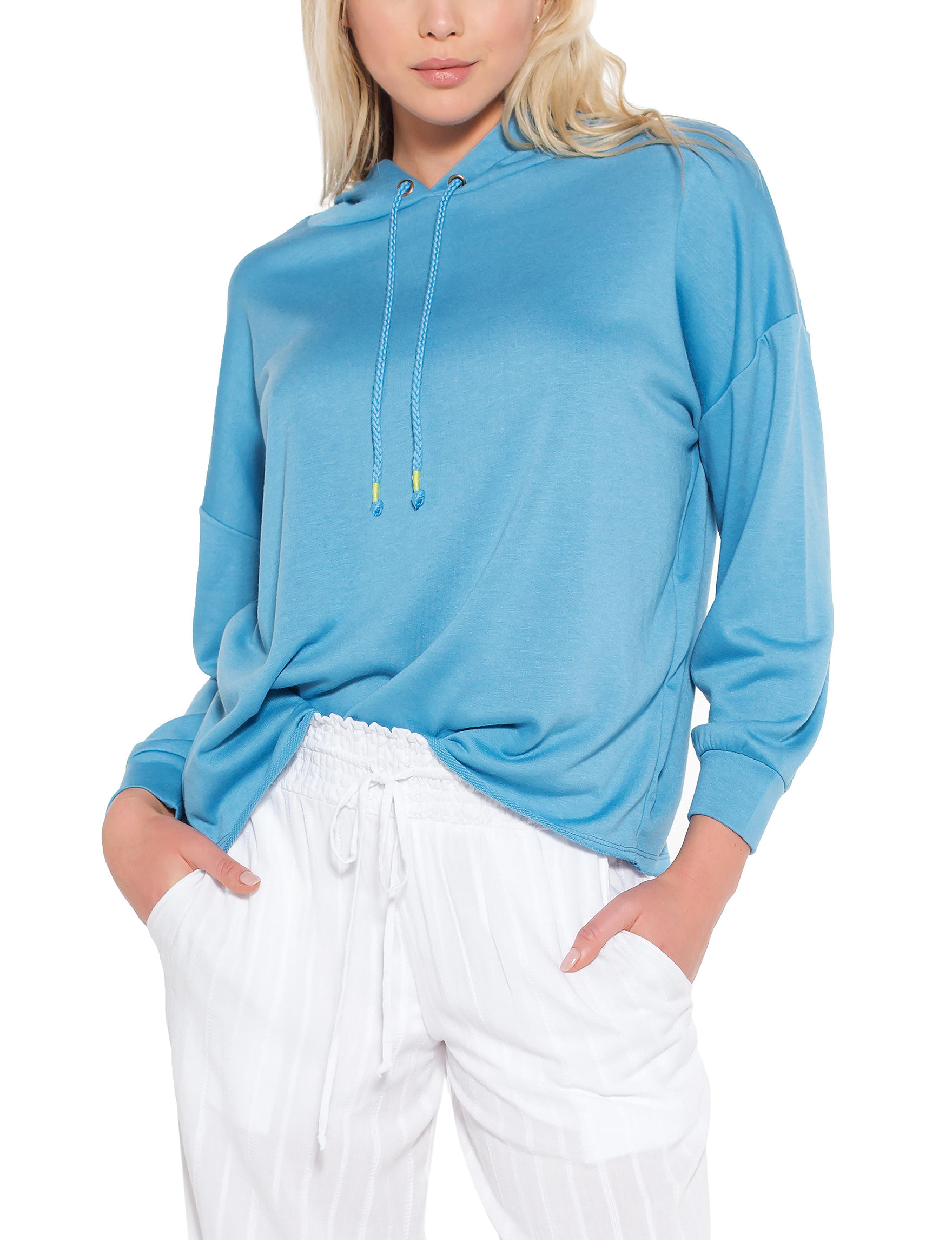 Taylor & Sage Blue Pull-overs