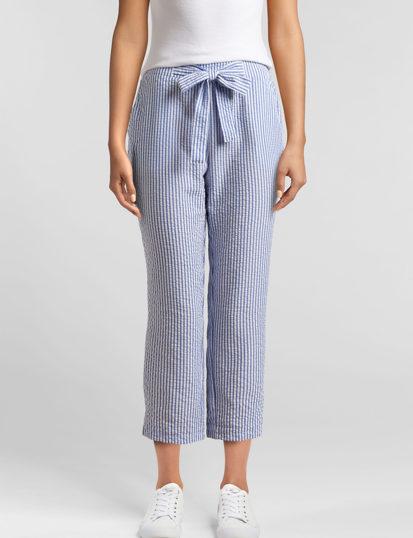 Joe Benbasset White / Blue Capris & Crops