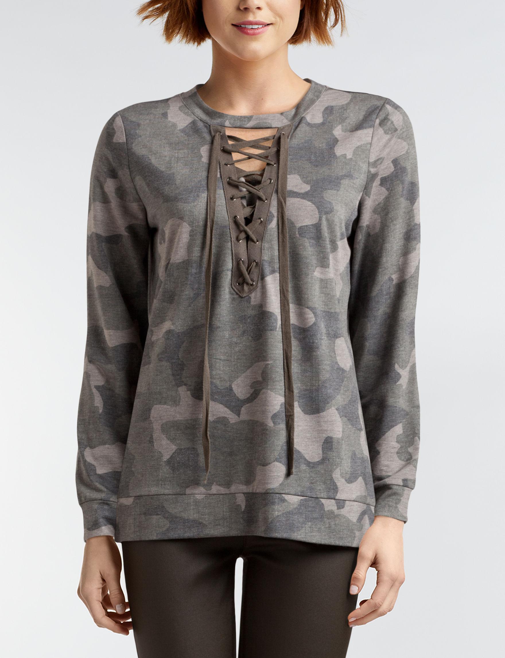 Signature Studio Camo Shirts & Blouses