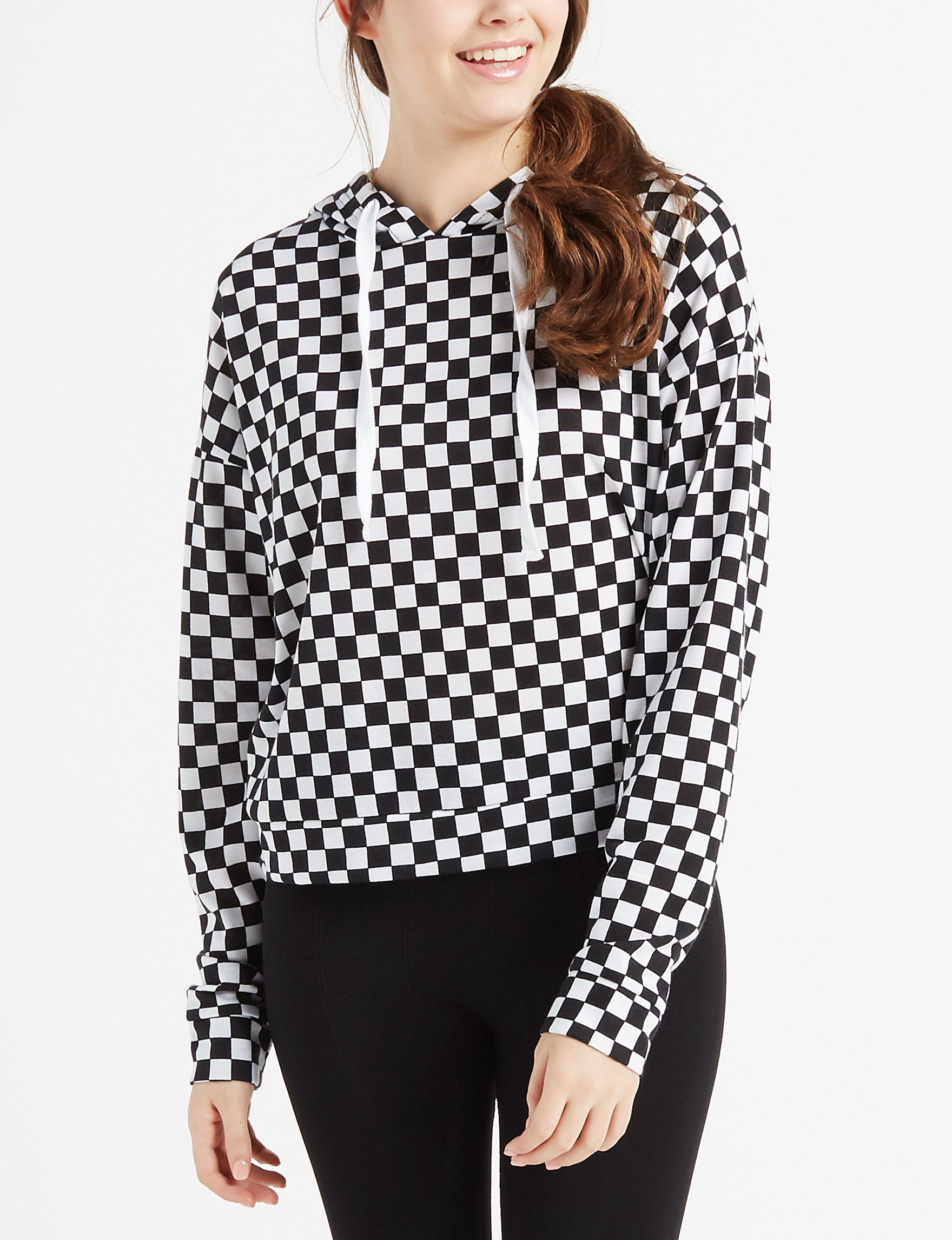 Justify Black / White Pull-overs