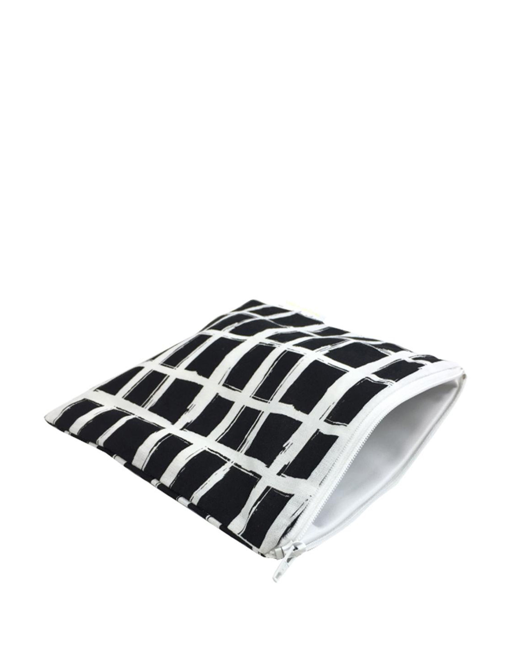 Itzy Ritzy Black / White