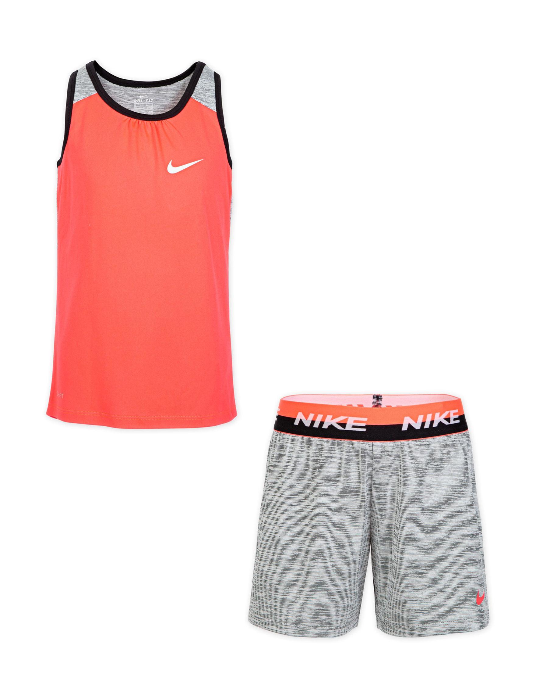 Nike Coral / Black
