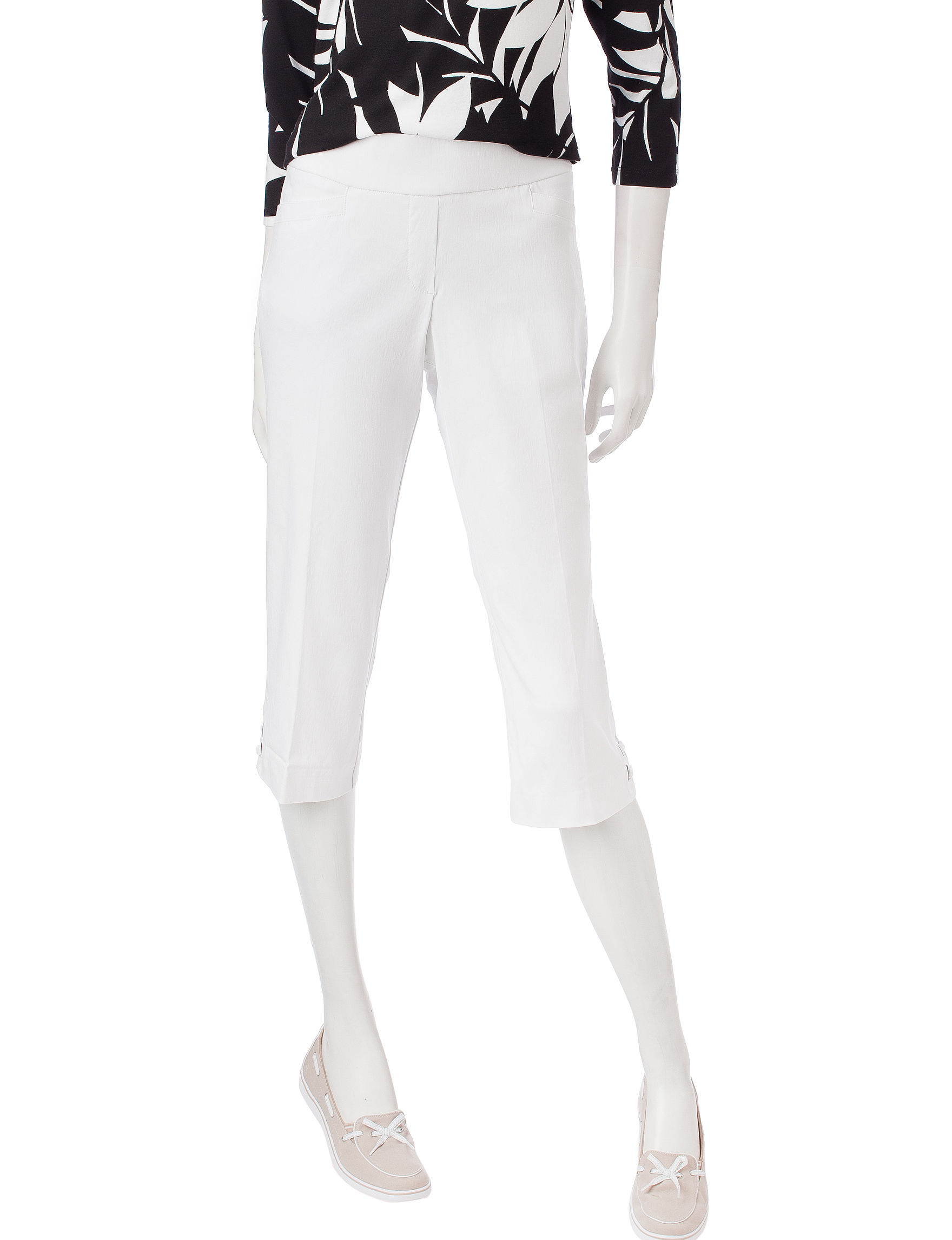 Briggs New York White Capris & Crops