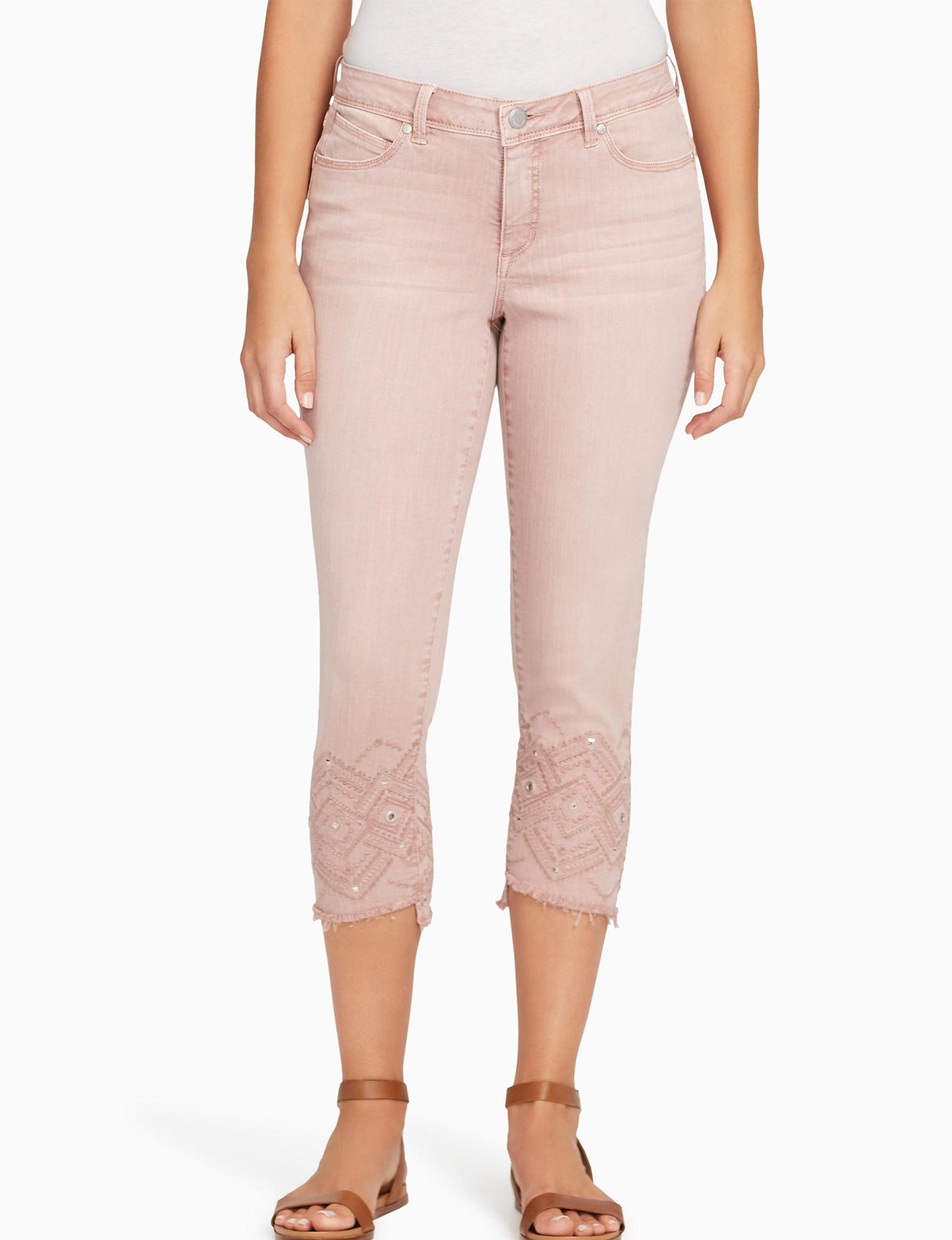 Bandolino Pink Capris & Crops