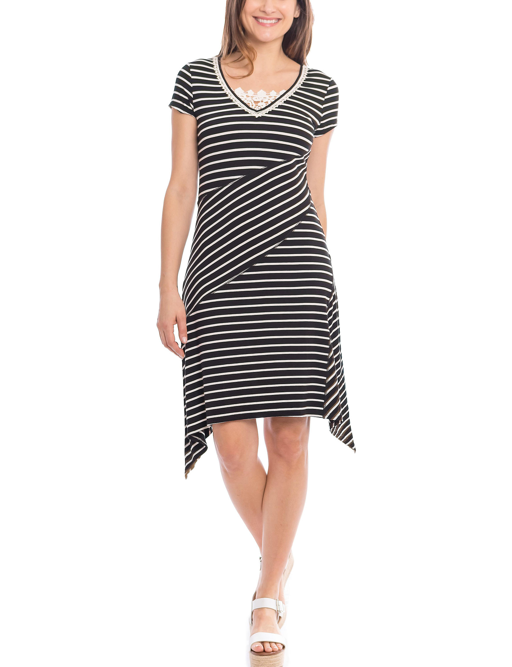 Skyes The Limit Black / White Everyday & Casual Fit & Flare Dresses