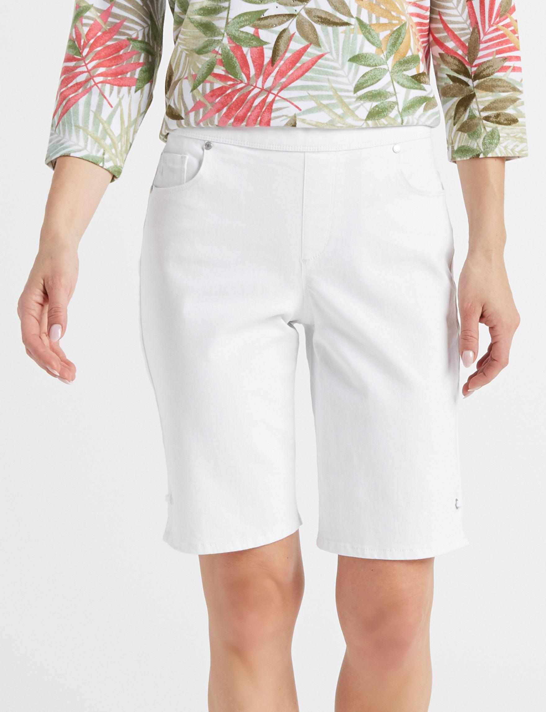 Gloria Vanderbilt White Bermudas
