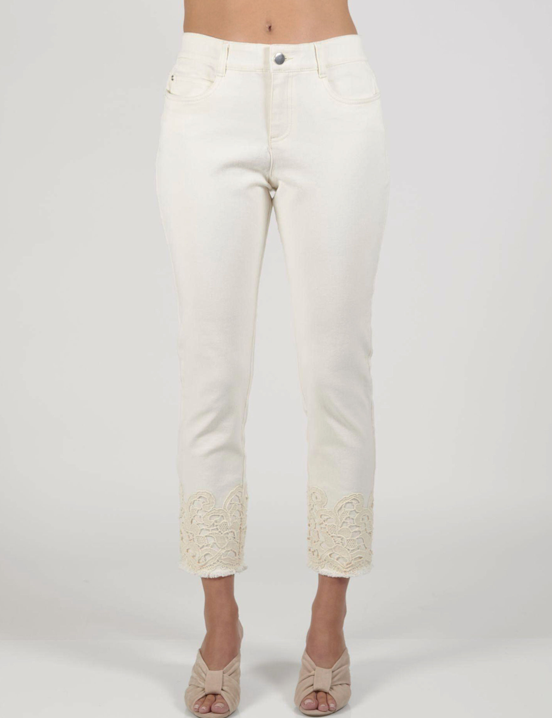 Skyes The Limit Natural Capris & Crops