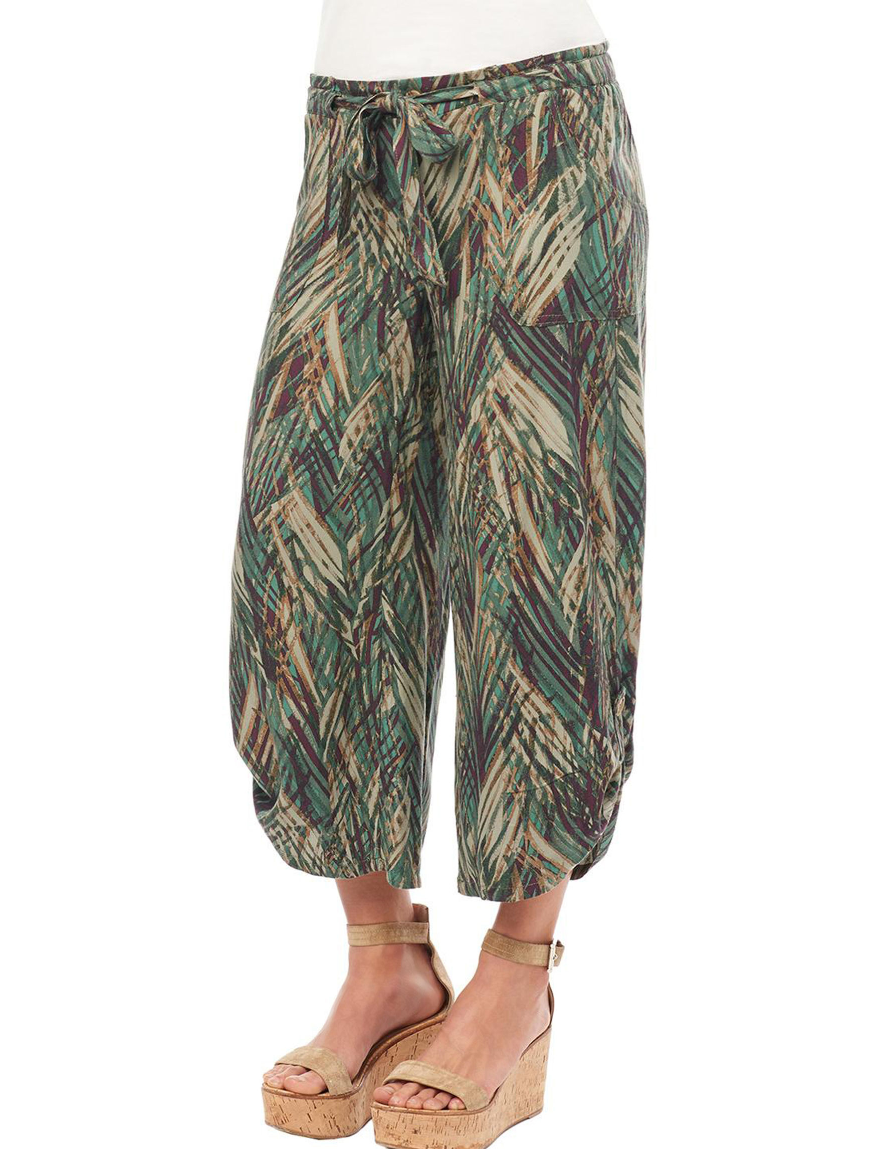 Democracy Olive Capris & Crops Soft Pants