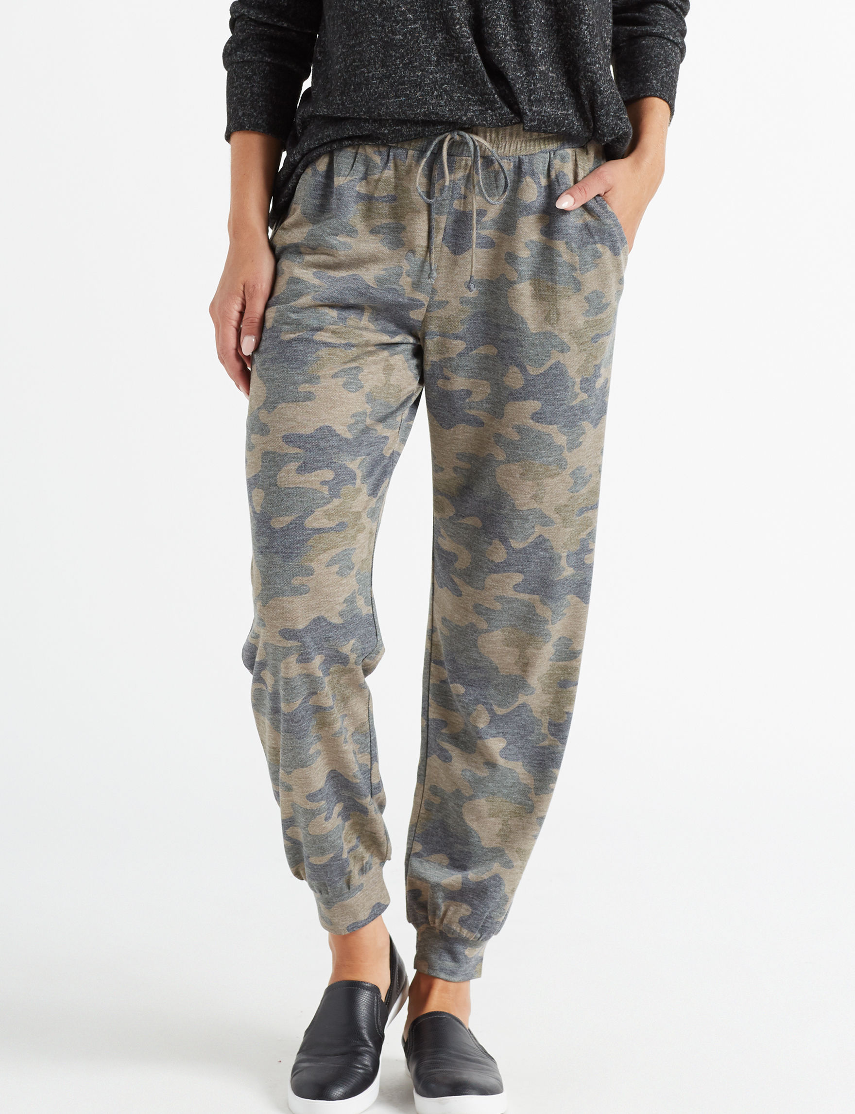 Signature Studio Camo Everyday & Casual Soft Pants