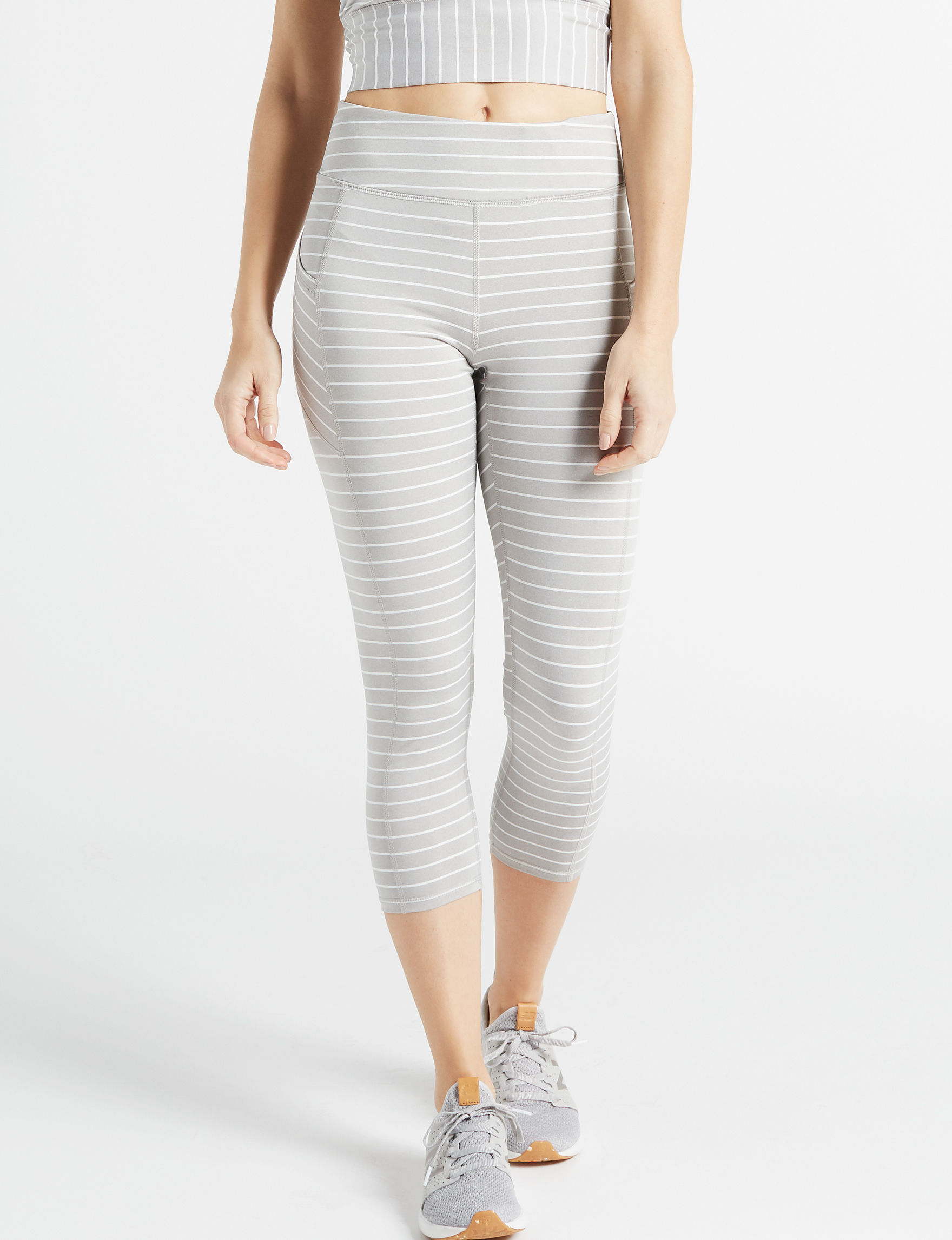 Gaiam Grey / White Active Capris & Crops Leggings