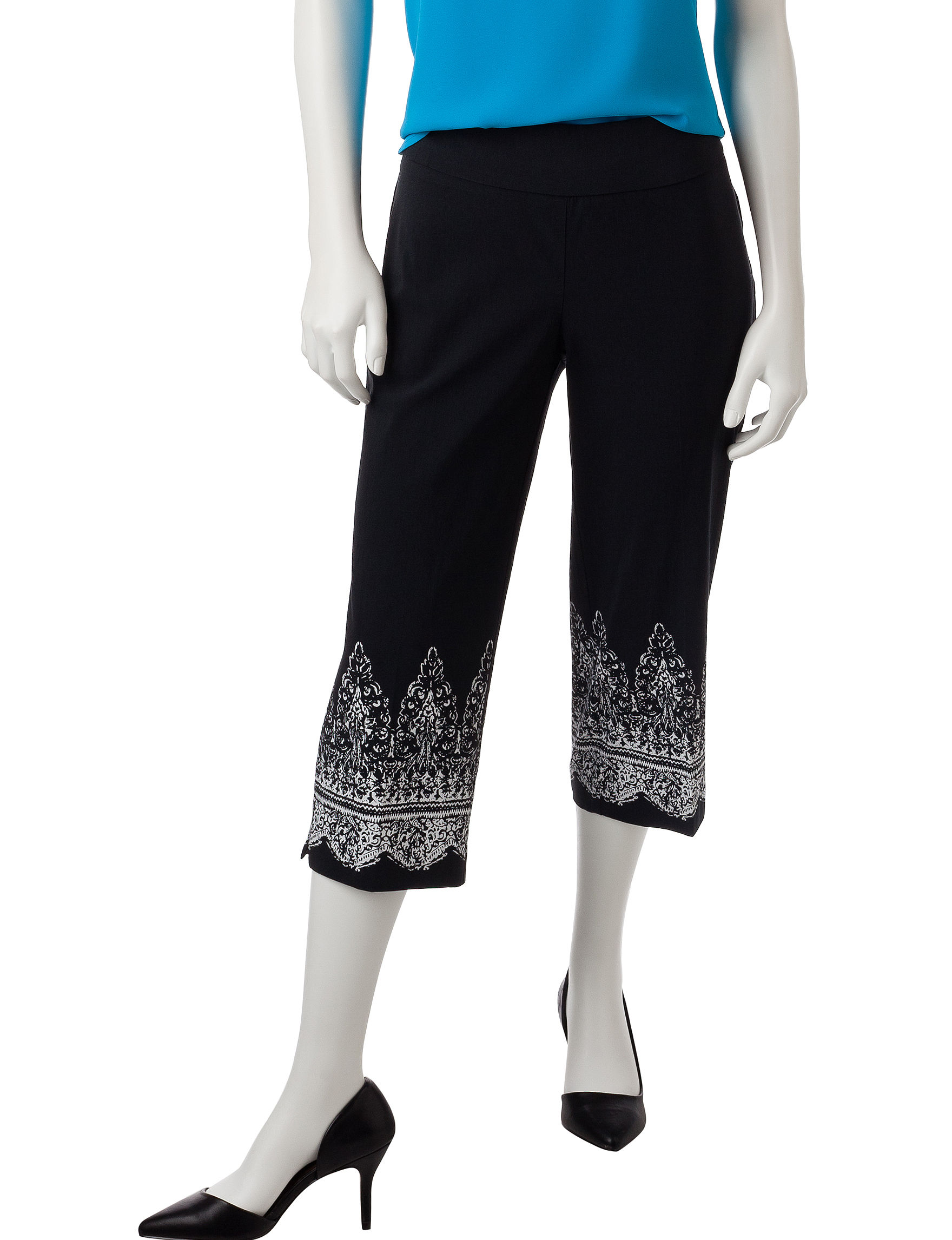 Briggs New York Black Capris & Crops