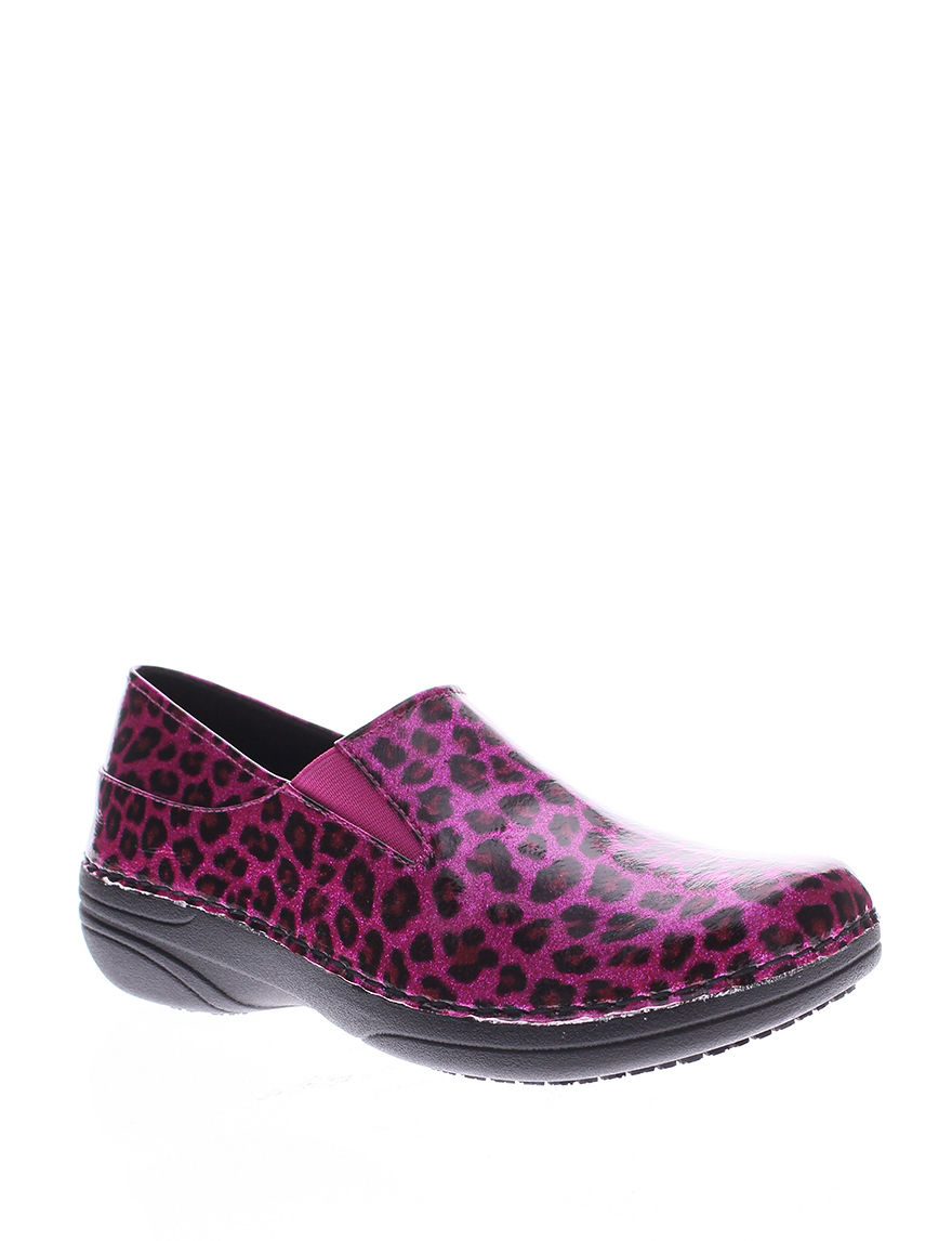 Spring Step Pink Clogs