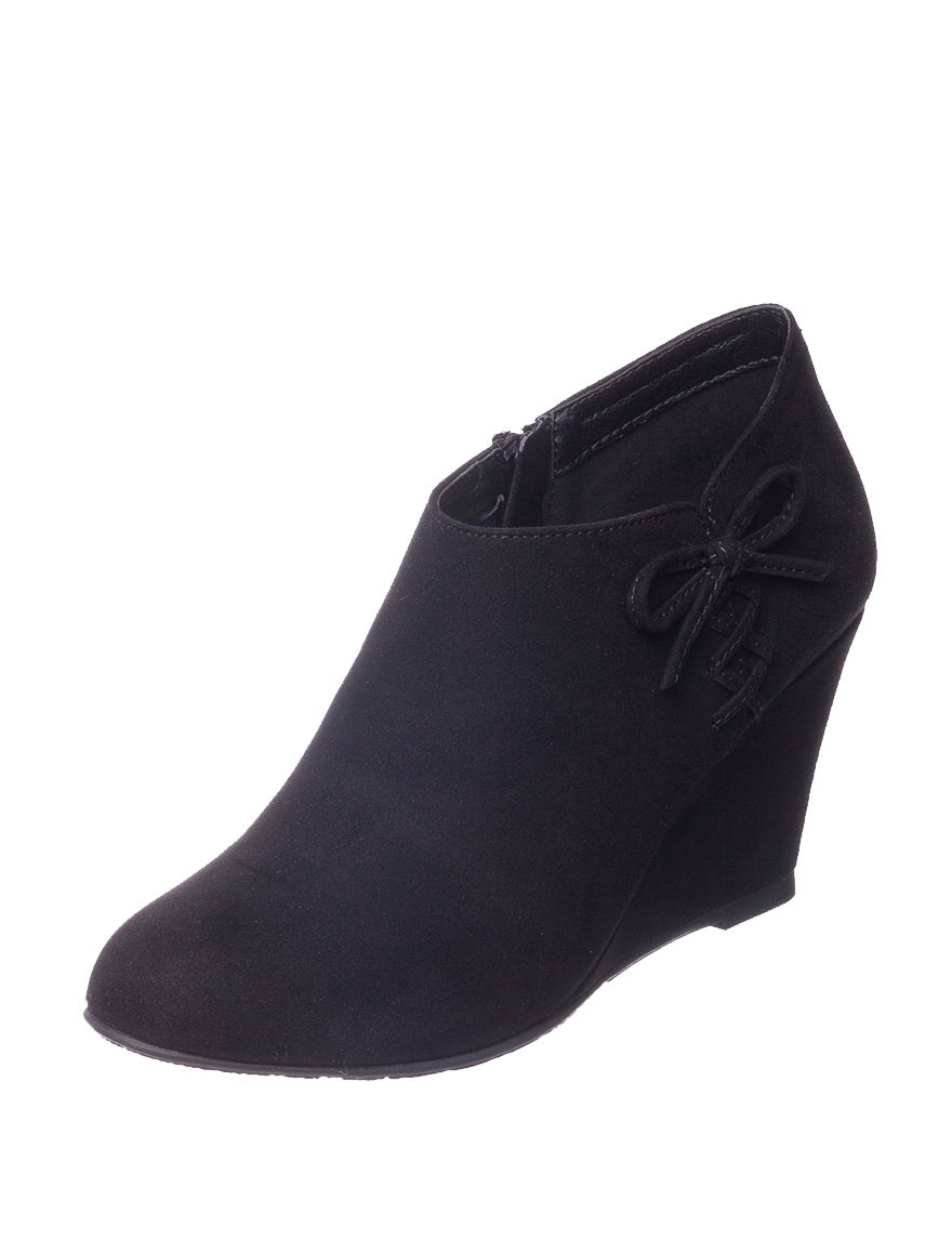 CL by Laundry Black Ankle Boots & Booties Wedge Boots