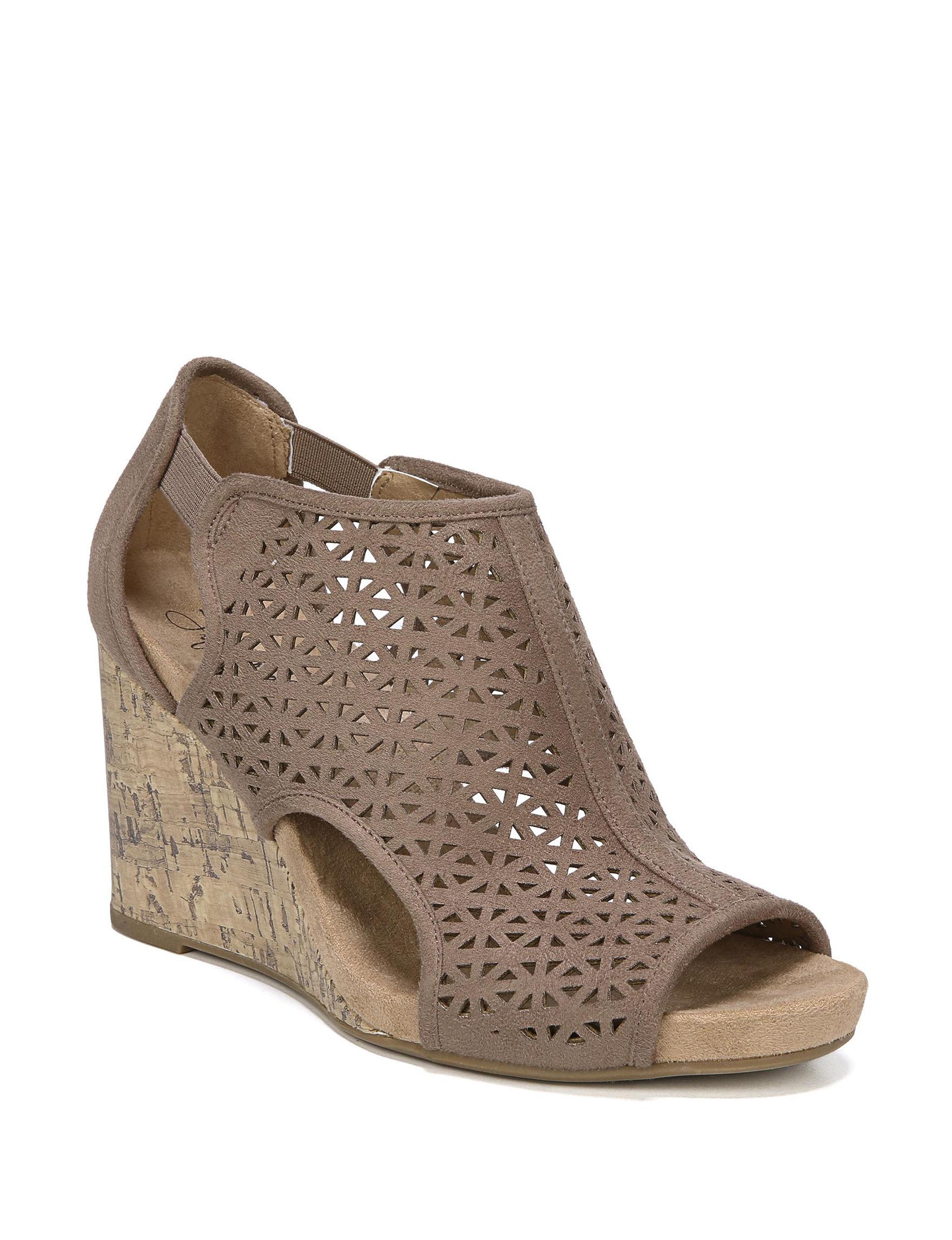 Lifestride Mushroom Peep Toe Wedge Sandals