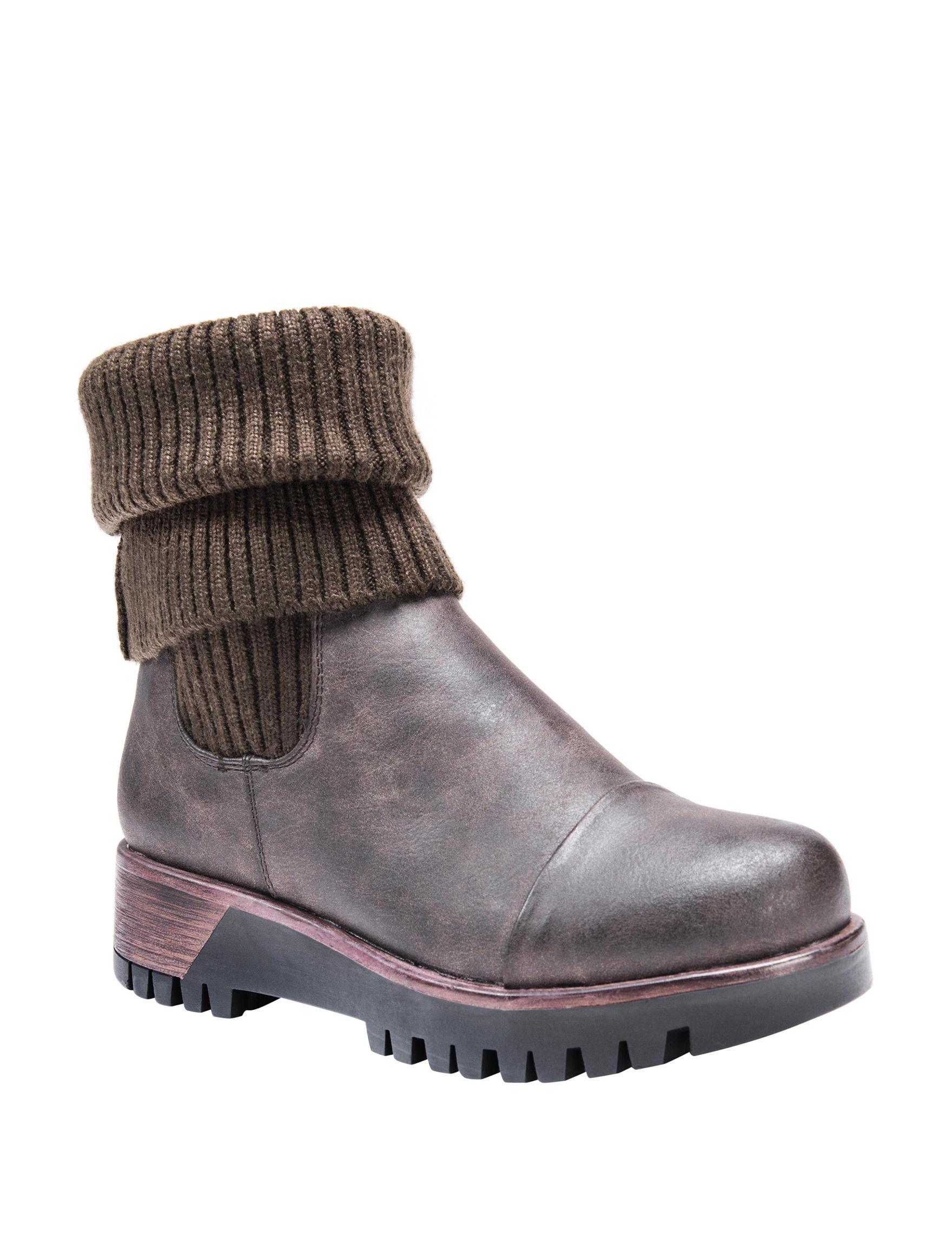 Muk Luks Chestnut Winter Boots