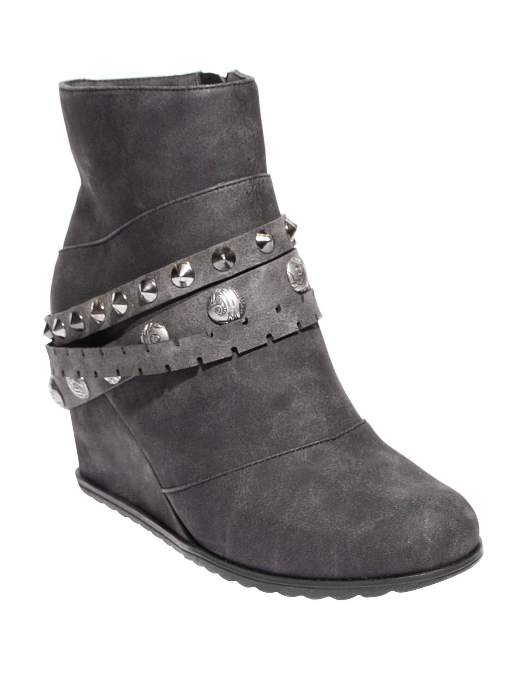 2 Lips Too Black Ankle Boots & Booties Wedge Boots