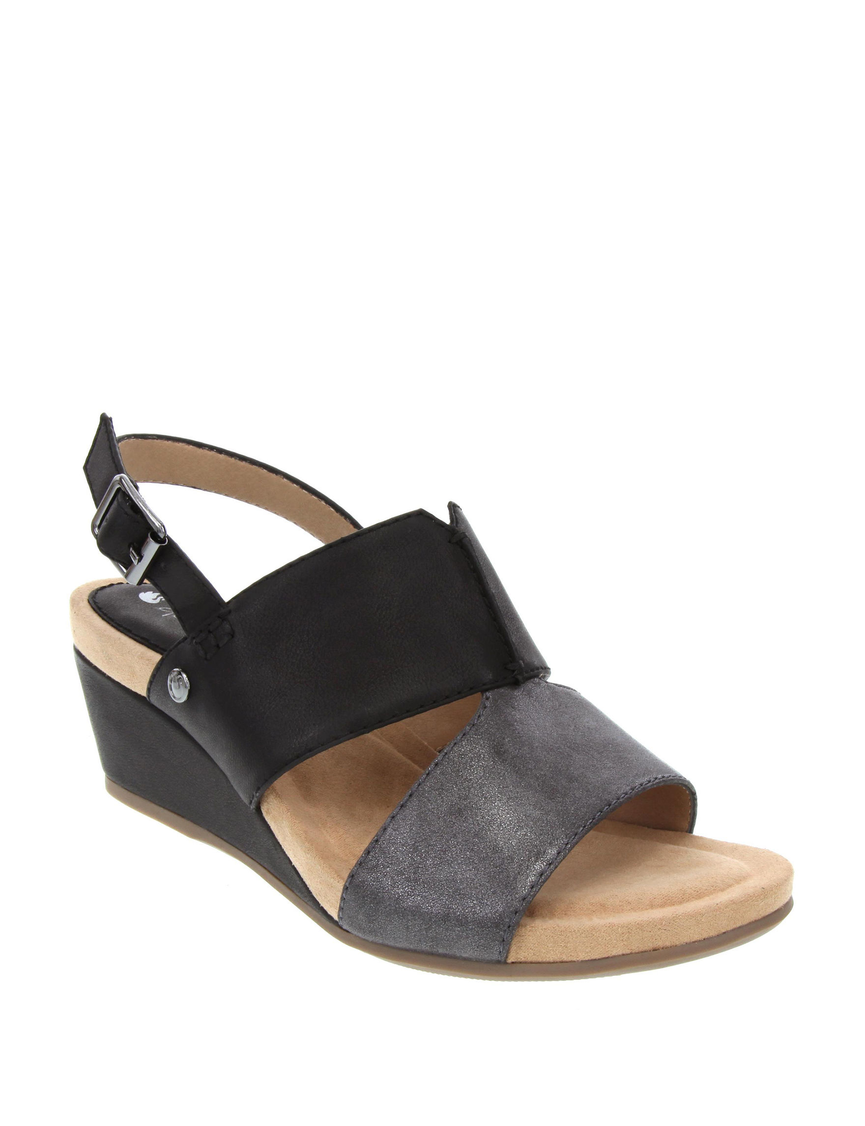 Gloria Vanderbilt Black Wedge Sandals