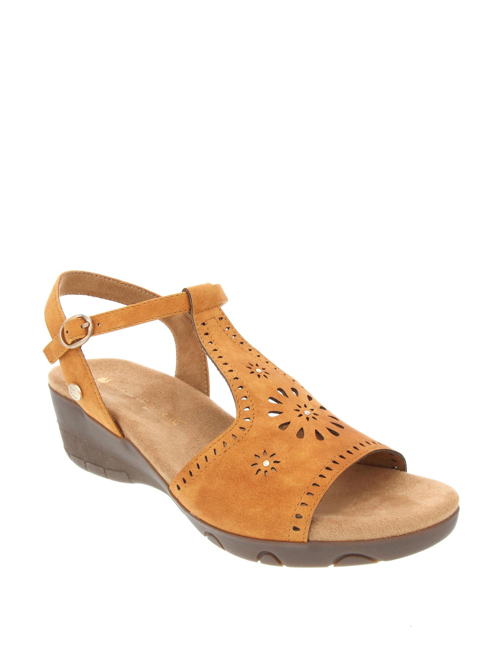 Gloria Vanderbilt Beige Wedge Sandals