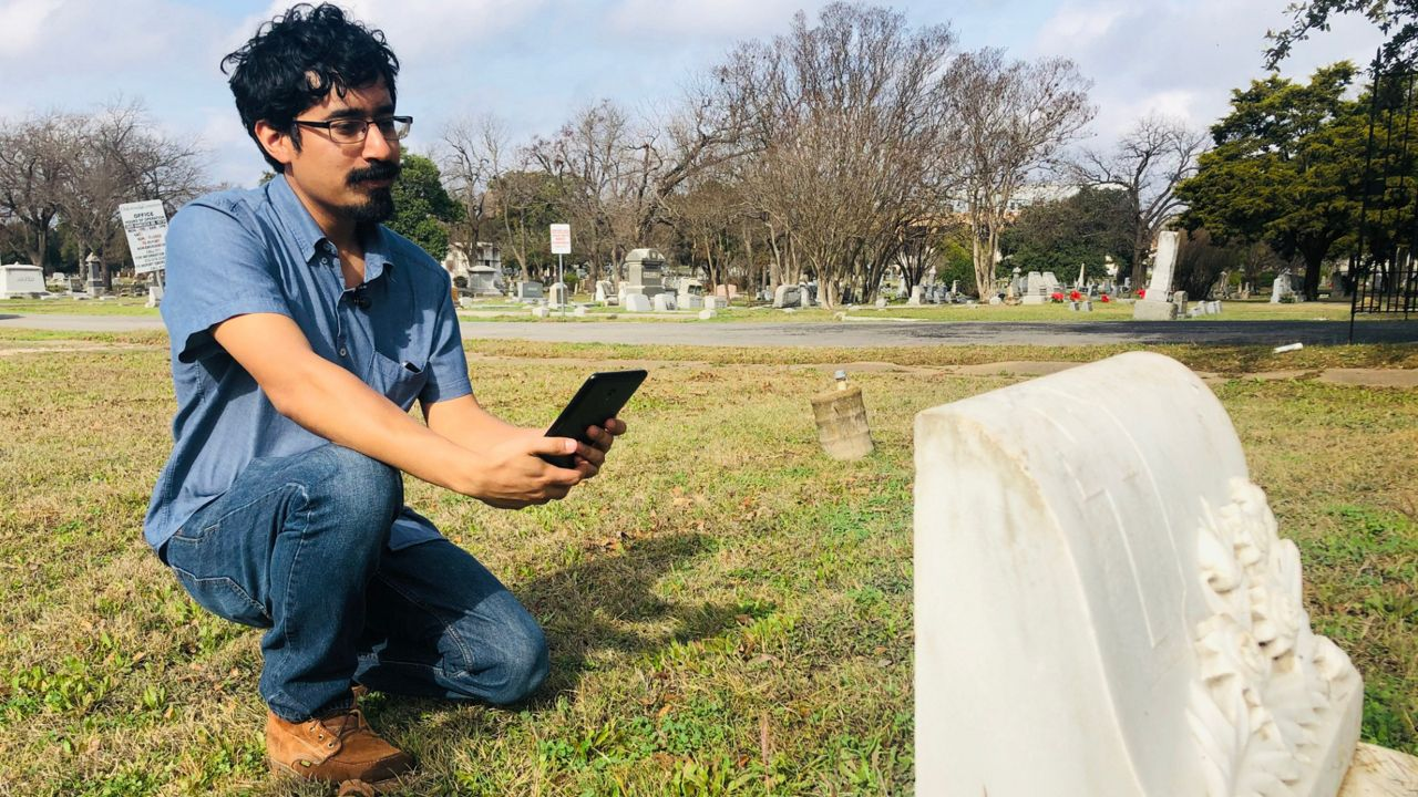 Latest Exhibit at Historic Oakwood Cemetery Seeks to Honor Tejanos
