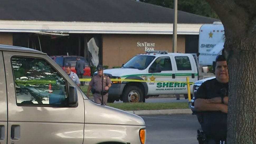 At Least 5 Killed In Shootings At Bank In Highlands County