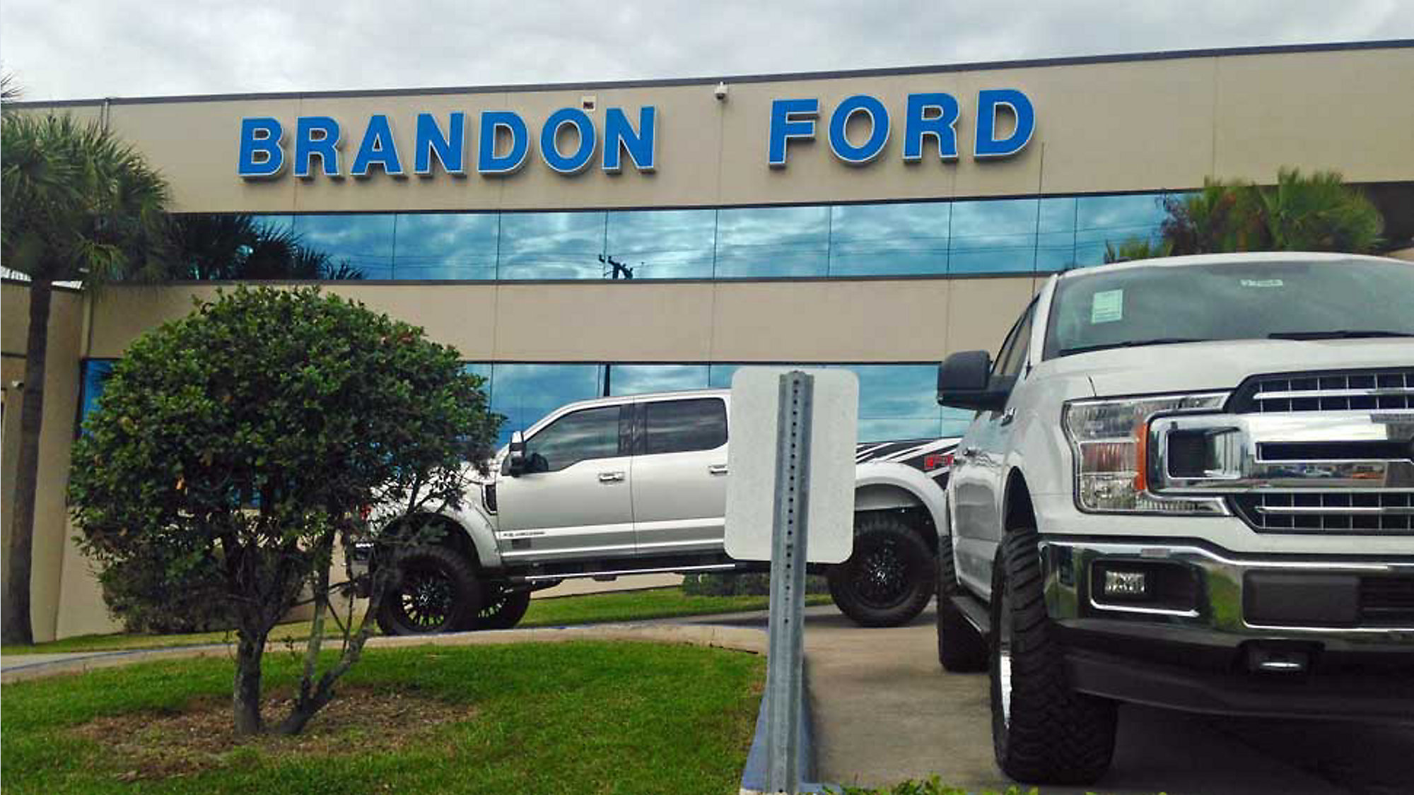 Ford Dealership Tampa >> Bay Area Ford Dealership Nearly Becomes Top U S Seller