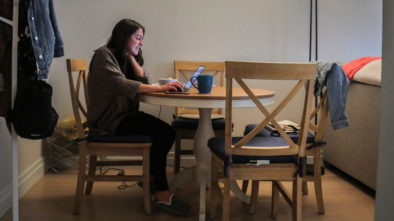 Poll: New Yorkers split over working from home or from the office