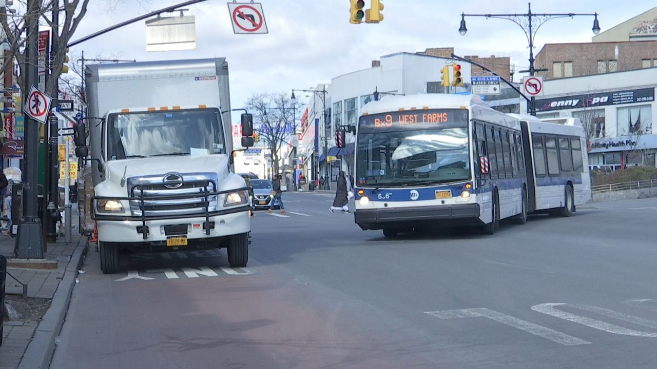 NYC Says it Will Crack Down on Illegal Parking in Bus Lanes