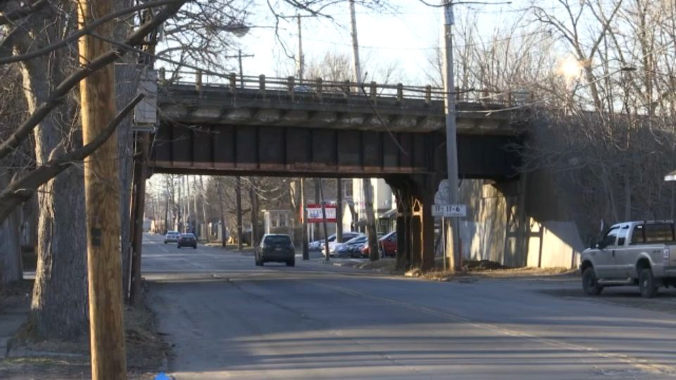 Flashing Lights To Be Installed Near Young Street Bridge