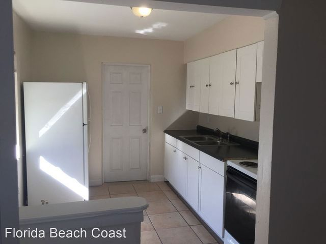 A photo of the kitchen inside the property, posted on Realtor.com by Florida Beach Coast. (Realtor.com)