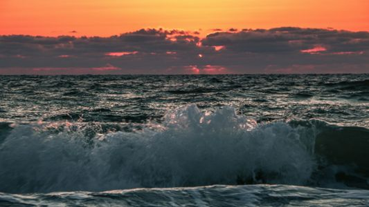 Sent to us via the Spectrum Bay News 9 app: Clear skies and beautiful waves at Indian Rocks Beach on Friday night. We should see more perfect conditions today. (Tina, viewer)