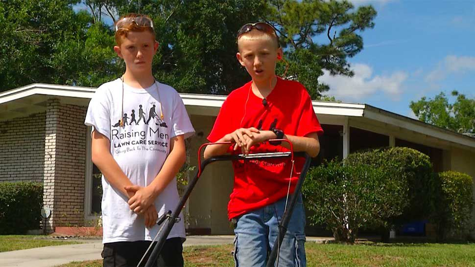 """Sanford Brothers Take Part in """"50 Yard Challenge"""" Mowing Lawns"""