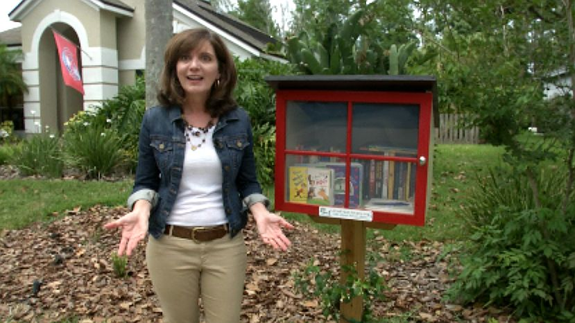 Woman fights homeowner association to keep library in yard