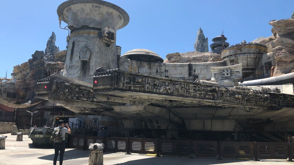 Disney Releases Dates for Star Wars: Galaxy's Edge Passholder Previews