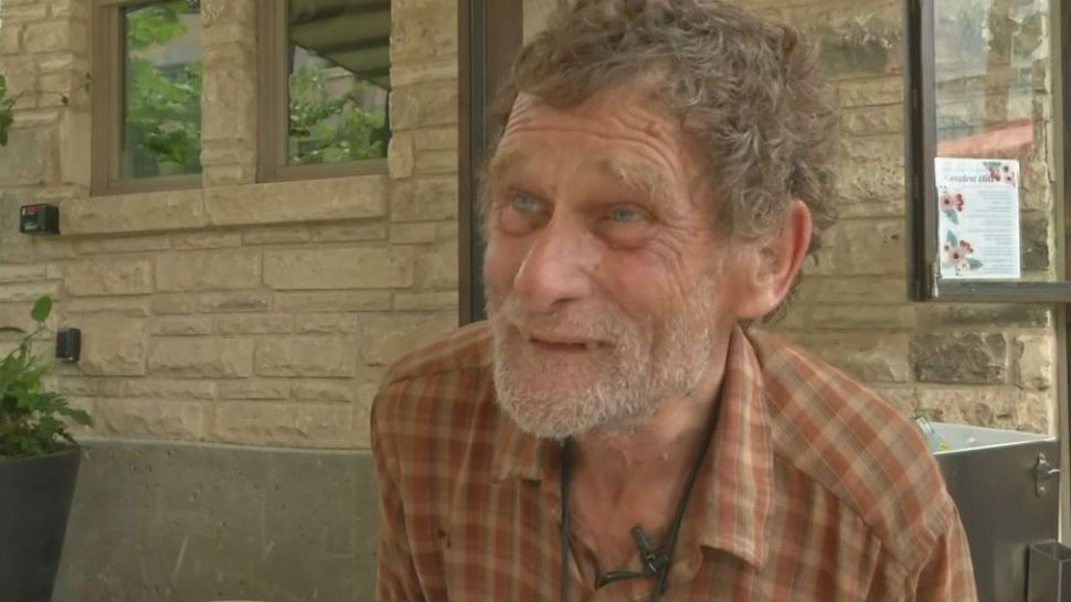 Student Helps Homeless Man Return to UT After 40 Years