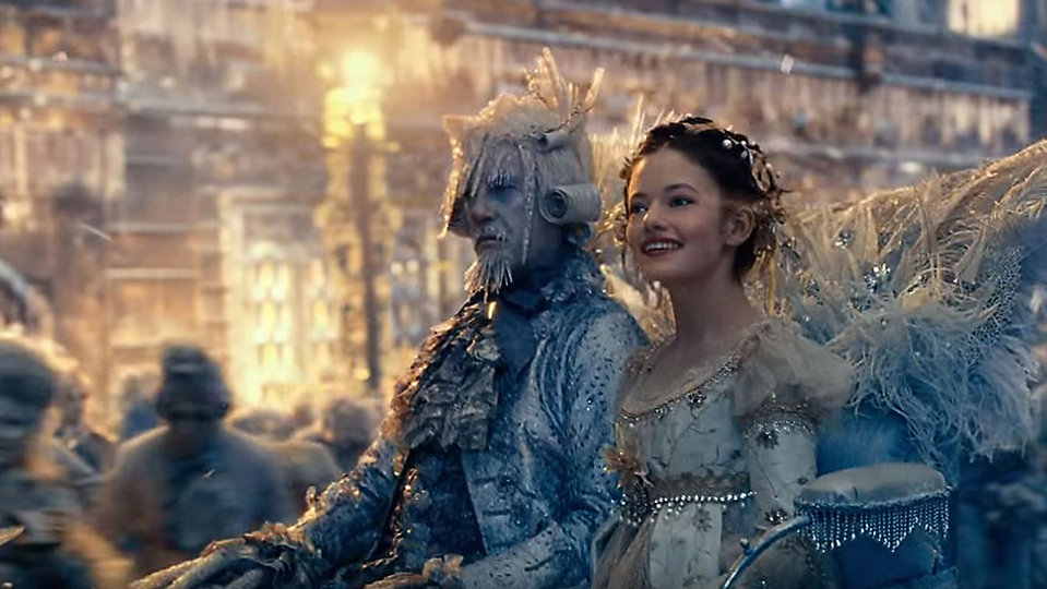 """Mackenzie Foy as Clara in a scene from """"The Nutcracker and the Four Realms."""" (Disney)"""