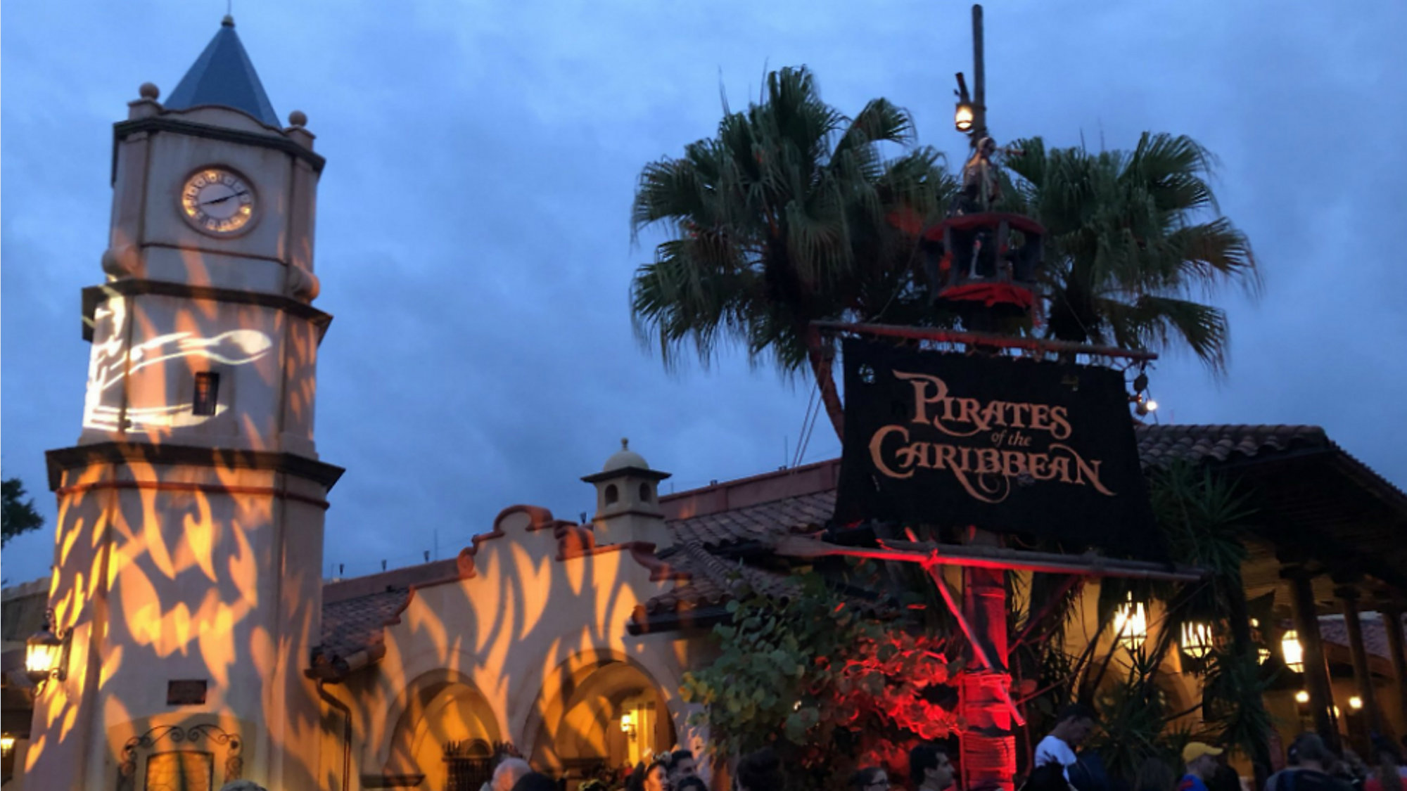 Halloween 1 November.Disney Debuts New Fireworks Show For Halloween Party