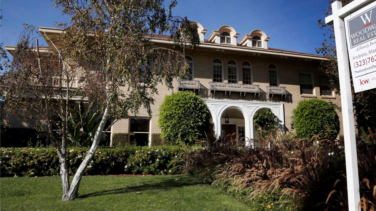 Some LA homes selling for $500K more than list price