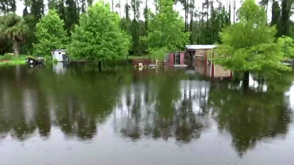 Floodwaters Trap Citrus Residents in Powerless Homes