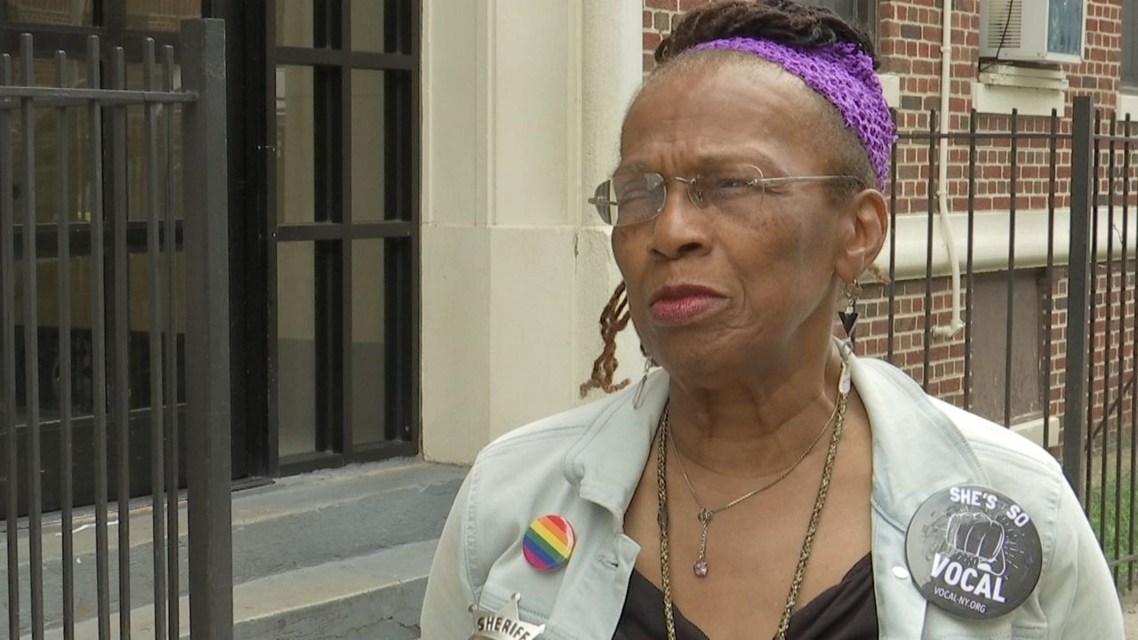 She Confronted de Blasio on Homelessness. She's Still Without a Home.