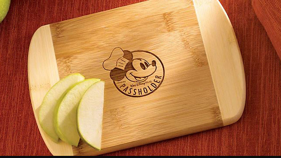 Passholders can receive a complimentary Chef Mickey cutting board during the Epcot International Food & Wine Festival. (Disney)