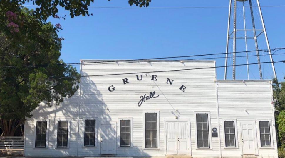 Gruene Hall is Ready for Garth Brooks