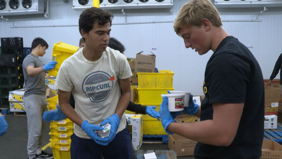 Manhattan Beach Teens Fighting Food Insecurity Together