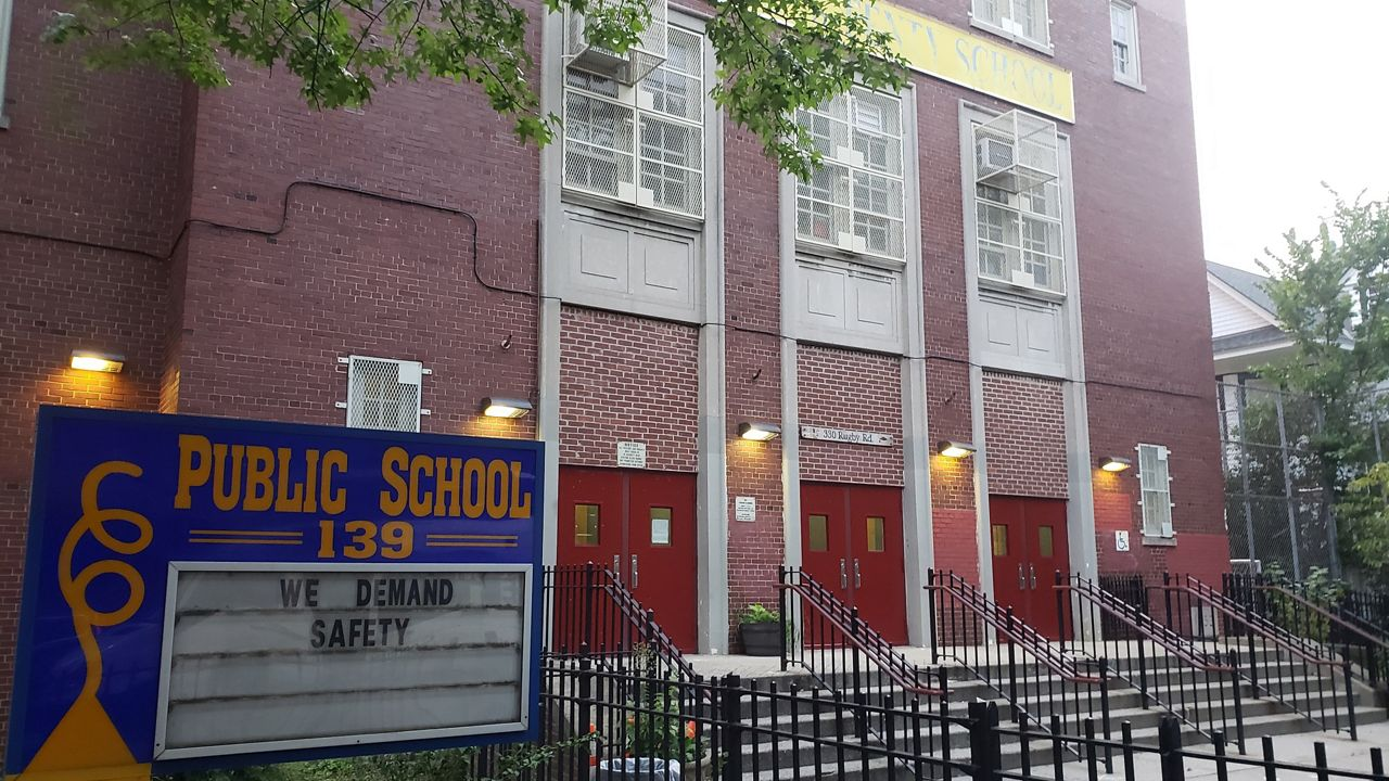 Brooklyn School Temporarily Closing After Coronavirus Cases - Spectrum News NY1